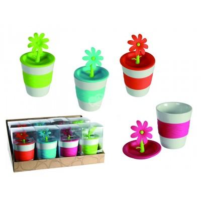 Kaffeebecher mit Blumendeckel